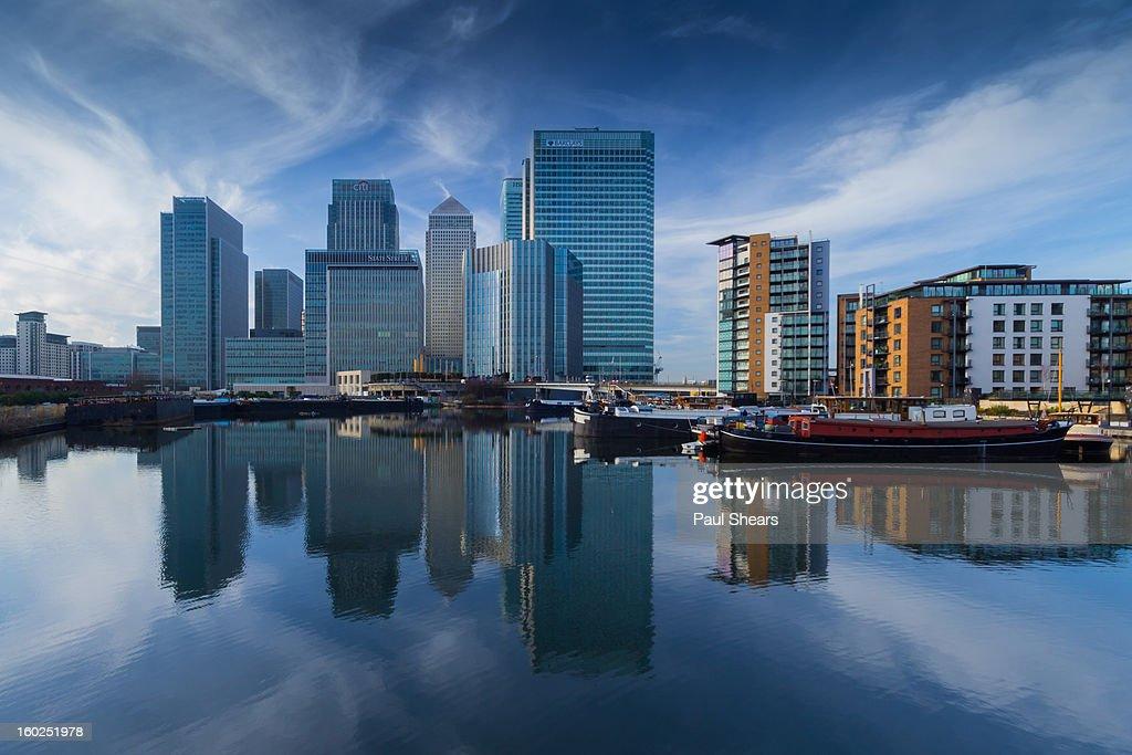 Blue Skys Over Canary Wharf : Stock Photo