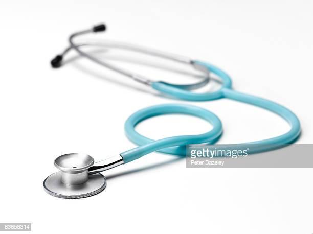 blue stethoscope  - stetoscopio foto e immagini stock