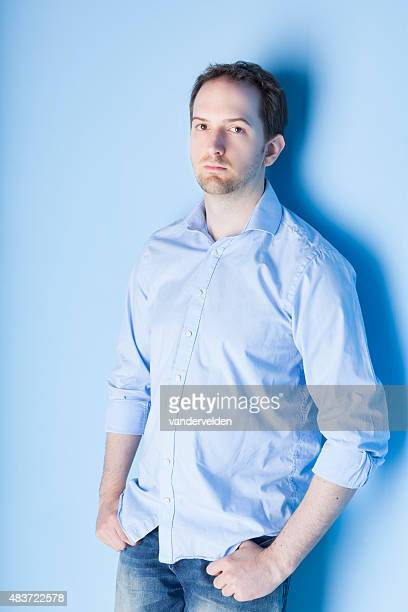 ブルーの研究を 20 代の男性