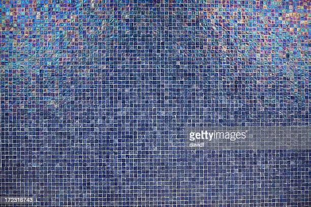 ブルーのタイル張りの壁