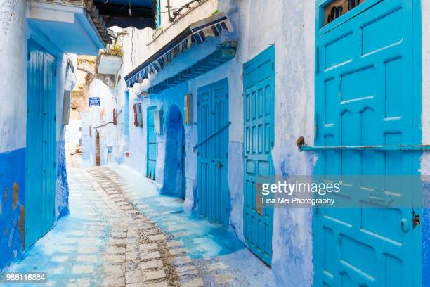 blue village of chefchaouen - chefchaouen photos et images de collection