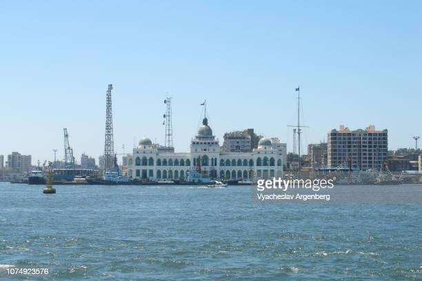 blue waters of suez canal, port fuad skyline, egypt - argenberg - fotografias e filmes do acervo