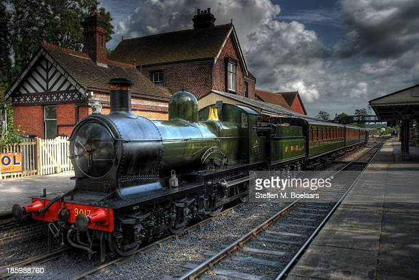 bluebell railway steam engine, sheffield park stn - locomotive stock photos and pictures