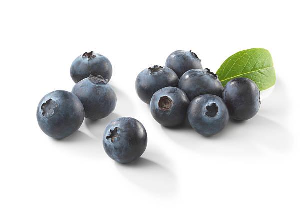 blueberries with leaf - 藍莓 個照片及圖片檔