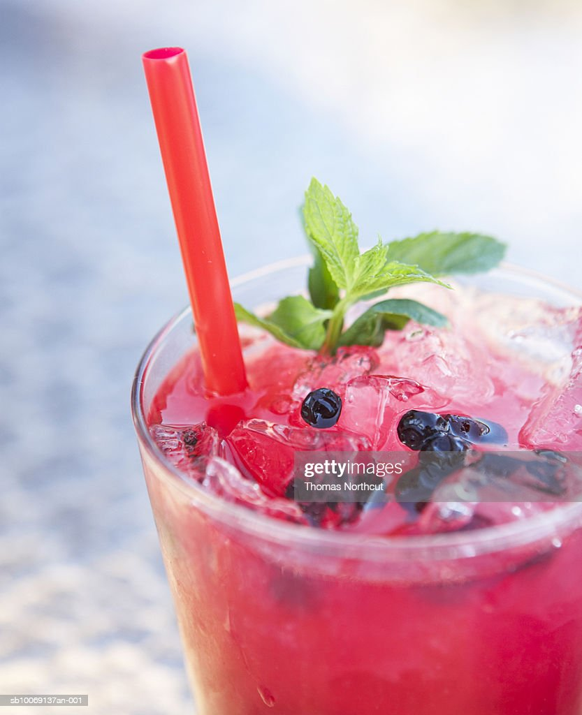 Blueblueberryberry cocktail with mint, close-up : Stockfoto