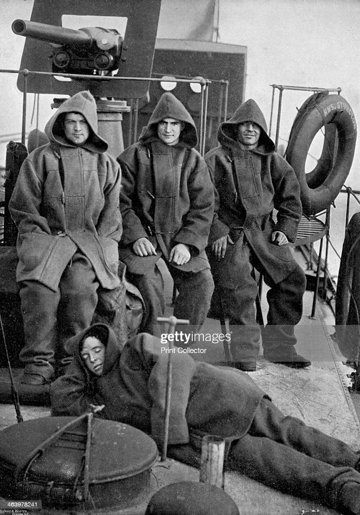 Bluejackets of the torpedo boat destroyer HMS 'Sturgeon', 1896. Artist: Gregory & Co : ニュース写真