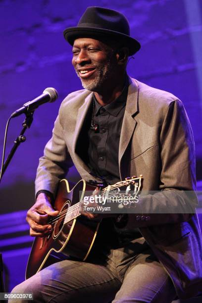 Blues artist Keb' Mo' performs during 'Best Buddies Unplugged' at Franklin Theatre on November 2 2017 in Franklin Tennessee