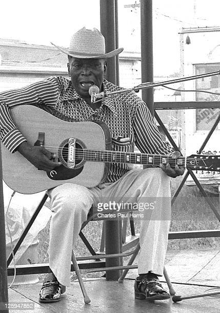 Blues artist Robert Pete Williams performs live at the New Orleans JazzFest on May 6, 1979 in New Orleans, Louisiana.