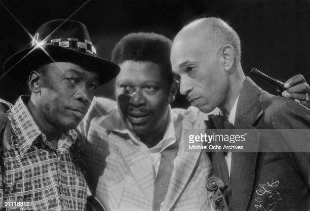 Blues greats LR John Lee Hooker BB King and Papa John Creach perform 'Gettin' It Together' on the TV show Midnight Special in August 1974 in Los...