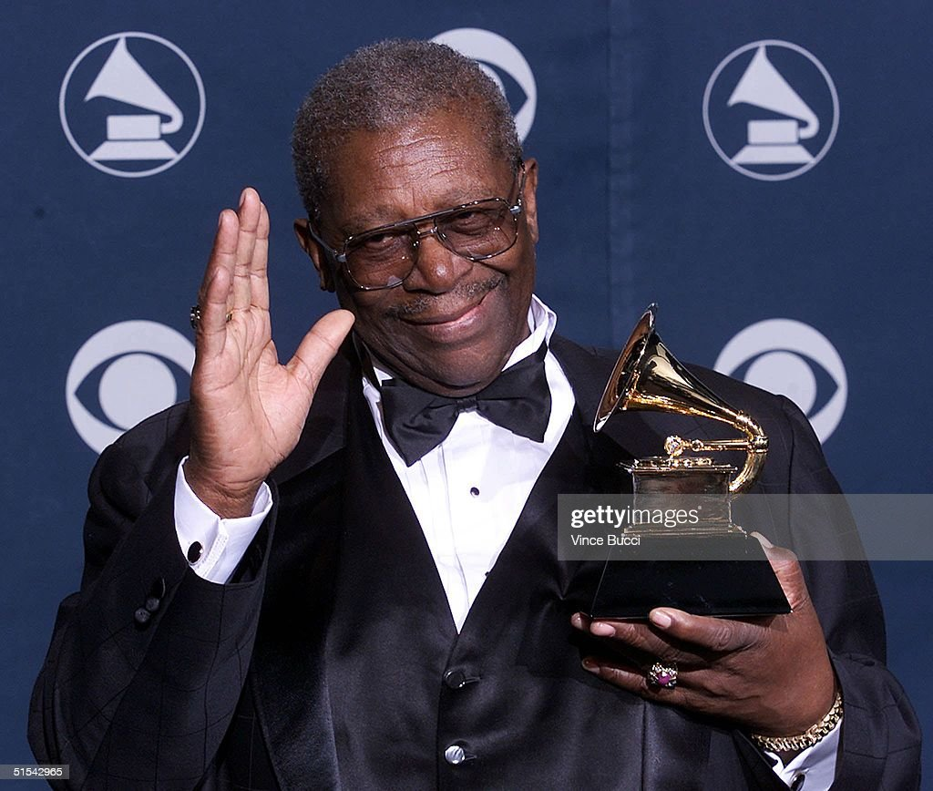 Blues legend B.B. King holds his Grammy award for Best Traditional Blues Album at the 42nd Annual Grammy Awards at the Staples Center in Los Angeles 23 February, 2000.