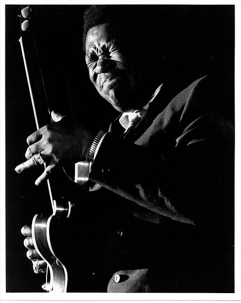 BB King Performing