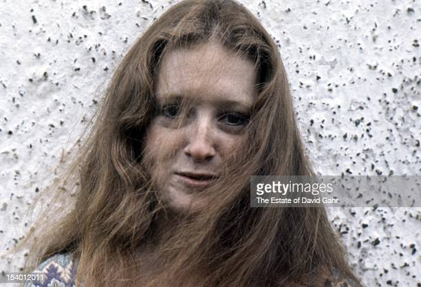 Blues singer and guitarist Bonnie Raitt poses for a portrait in August 1971 near Schwenksville Pennsylvania