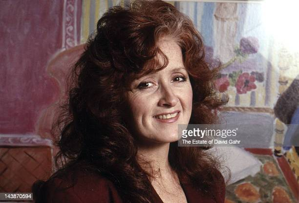 Blues singer/songwriter and guitarist Bonnie Raitt poses for a portrait in April 1989 in New York City New York