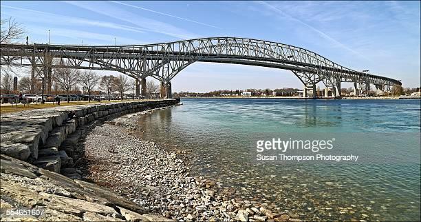 bluewater bridge - サルニア ストックフォトと画像