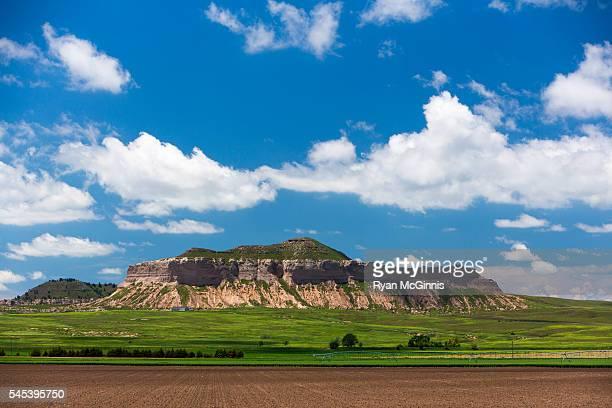 bluff near scott's bluff, nebraska - nebraska stock pictures, royalty-free photos & images