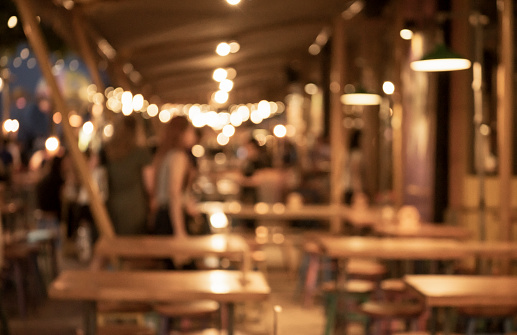 Blurred background of restaurant with people. - gettyimageskorea