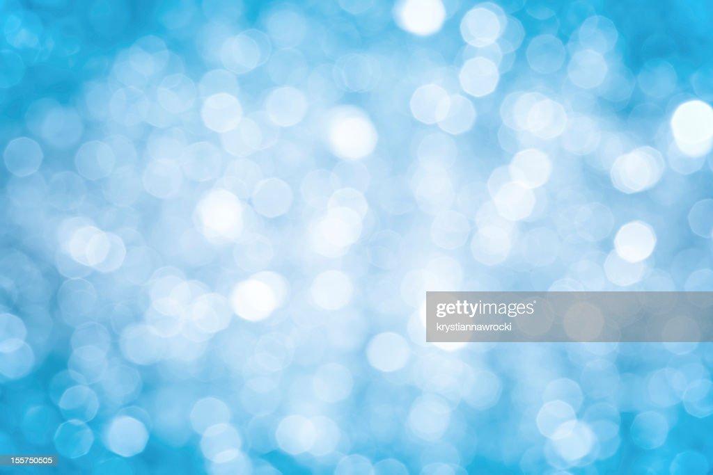 ぼやけたブルーの輝きを背景に濃い街角や明るいセンター : ストックフォト