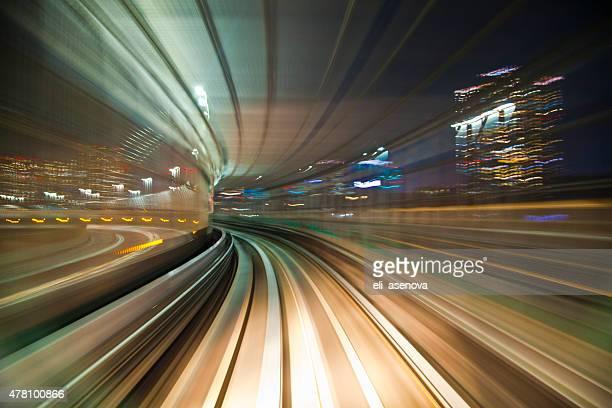 Bewegungsunschärfe auf die U-Bahn von Tokio.
