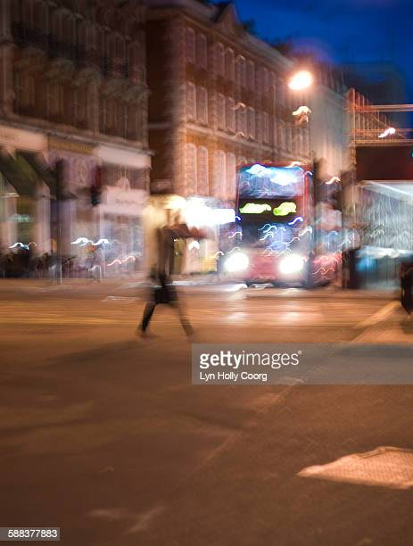 blurred street of london at night - lyn holly coorg stock pictures, royalty-free photos & images