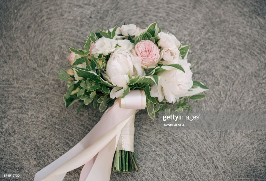Blush And White Wedding Bouquet Stock Photo Getty Images