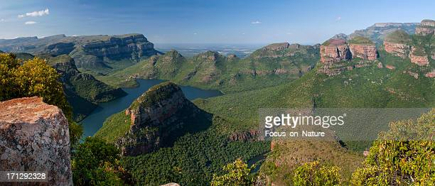 blyde river canyon and the three rondavels - mpumalanga province stock pictures, royalty-free photos & images