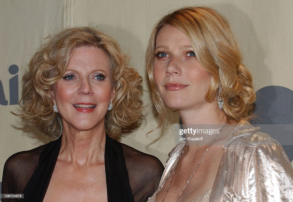 2004 Crystal + Lucy Awards: Women in Film Celebrates the Paltrow Family - Arrivals : News Photo
