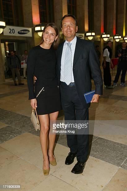 Bmg Berlin Musik Geschäftsführer Andre Selleneit und Ehefrau Michaela Bei Der Ifa Night Charity Gala Zugunsten Der Nordoff Robbins Stiftung