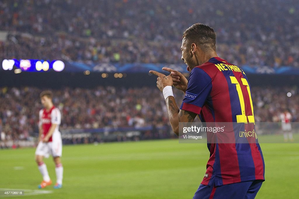 "Champions League - ""Barcelona v Ajax Amsterdam"" : News Photo"