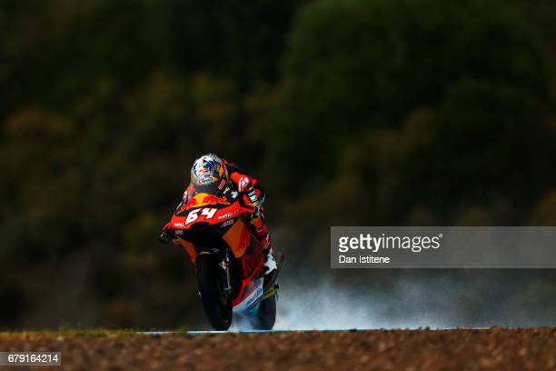 Bo Bendsneyder of the Netherlands and Red Bull KTM Ajo rides during free practice for Moto3 at Circuito de Jerez on May 5 2017 in Jerez de la...