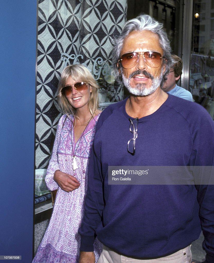 Bo Derek and John Derek Sighting Shopping at The Gazebo in New York City - July 22, 1981 : ニュース写真