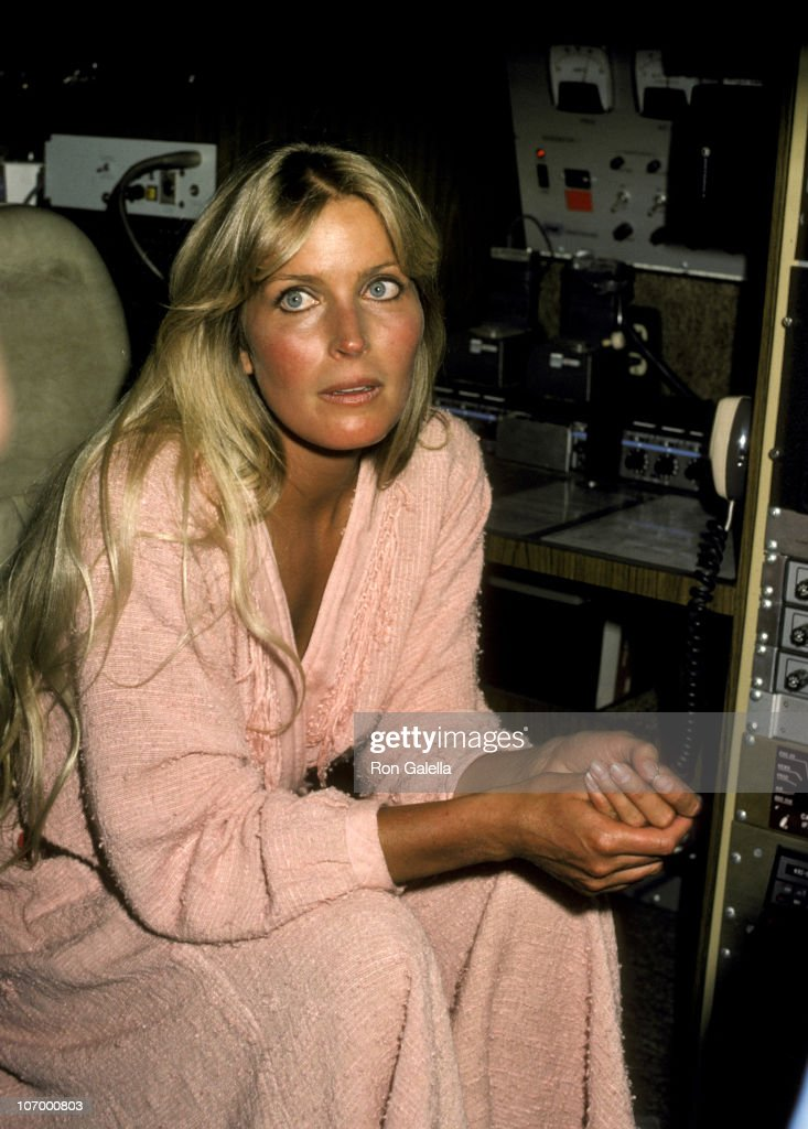 """Bo Derek at a Taping of """"The Tonight Show with Johnny Carson"""" : ニュース写真"""