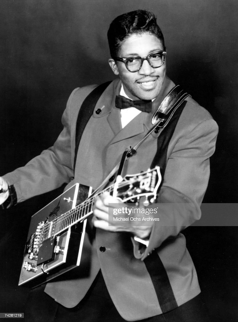 Bo Diddley Portrait With His Git Box : News Photo