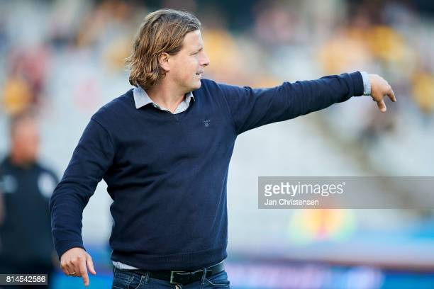 Bo Henriksen head coach of AC Horsens gives instructions during the Danish Alka Superliga match between AGF Arhus and AC Horsens at Ceres Park on...