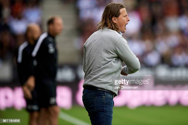 Bo Henriksen head coach of AC Horsens gives instructions during the Danish Alka Superliga match between FC Midtjylland and AC Horsens at MCH Arena on...