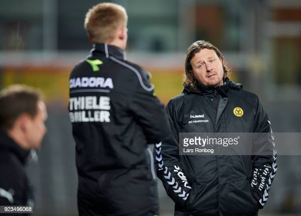 Bo Henriksen head coach of AC Horsens speaks to the fourth referee during the Danish Alka Superliga match between AC Horsens and Randers FC at CASA...