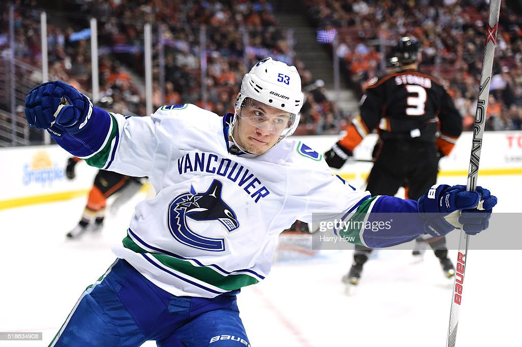Vancouver Canucks v Anaheim Ducks : News Photo