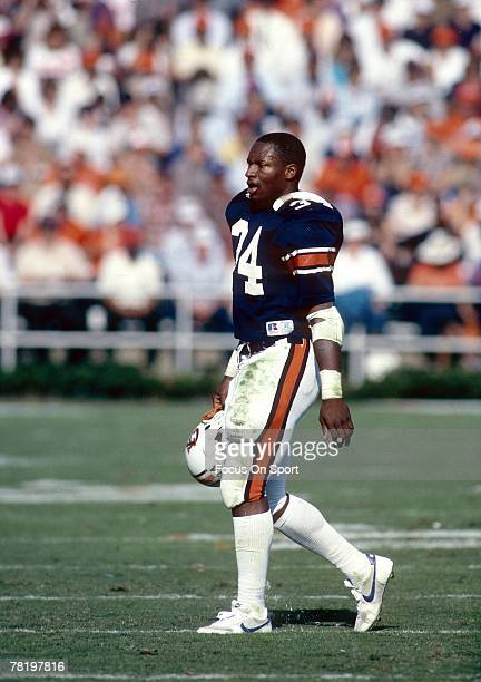 Bo Jackson of the Auburn Tigers on the field during a circa mid 1980s NCAA college football game in Auburn Alabama Jackson played for the University...