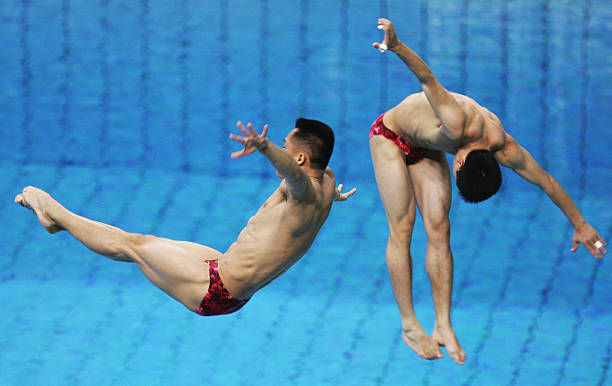 ارتكب كل من Bo Peng و Kenan Wang من الصين خطأ أثناء حدث الغوص المتزامن 3 أمتار للرجال في 16 أغسطس 2004 خلال أثينا ...