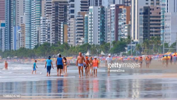 Playa de Boa Viagem en un día soleado en efecto de la pintura