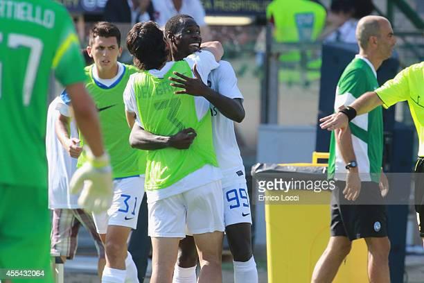 Boakye Yiadom Richmond of Atalanta celebrates the goal during the Serie A match between Cagliari Calcio and Atalanta BC at Stadio Sant'Elia on...