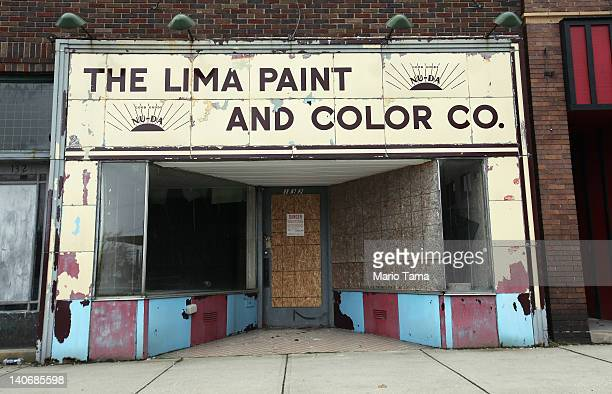 A boarded up shop is seen on March 4 2012 in Lima Ohio A census report released in 2011 showed that 153 percent of Ohioans live in poverty the...