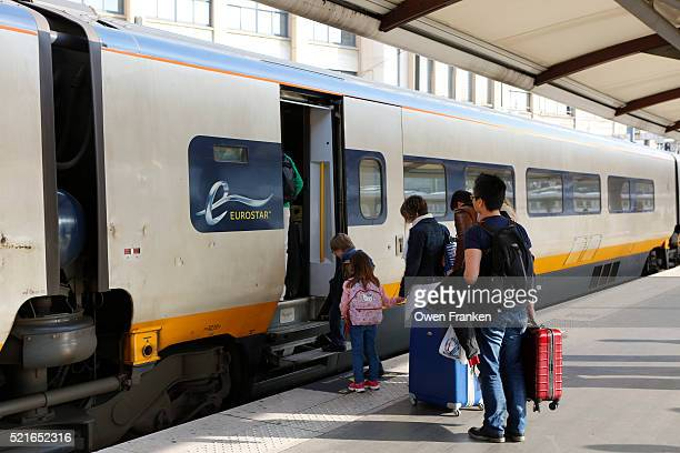boarding the eurostartrain to london-gare du nord, paris - eurostar stock pictures, royalty-free photos & images
