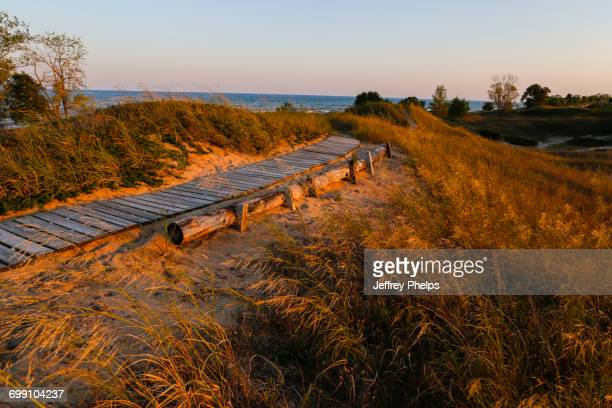 boardwalk - ウィスコンシン州シボイガン ストックフォトと画像
