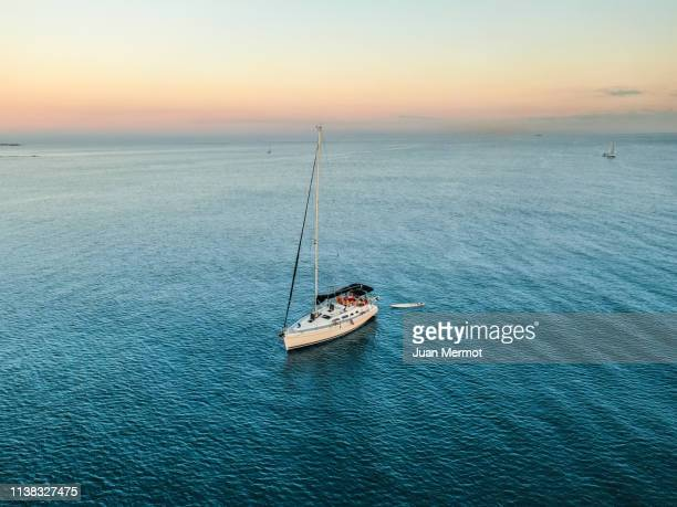 boat and family - new south wales stock pictures, royalty-free photos & images