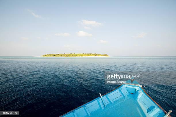 Boot und Havodigalaa Island, South Huvadhu Atoll, Malediven
