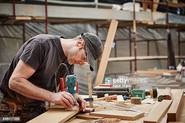 boat building craftsmen - construction worker stock pictures, royalty-free photos & images