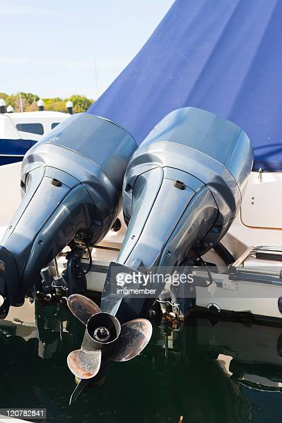 Boat engine with propeller