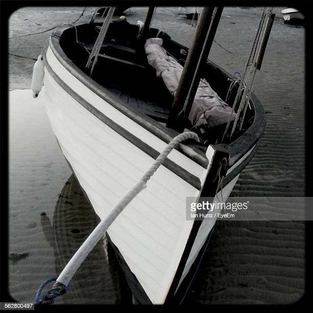 boat moored on lakeshore - st ives stock pictures, royalty-free photos & images