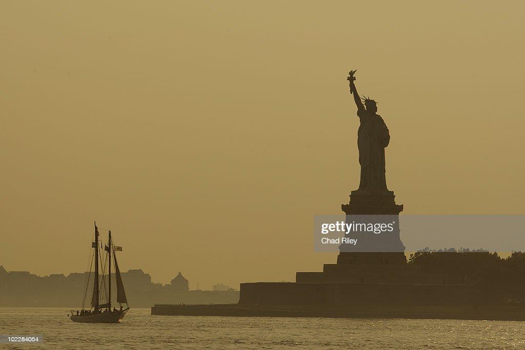 Boat near Statue of Liberty, New York : Stock Photo