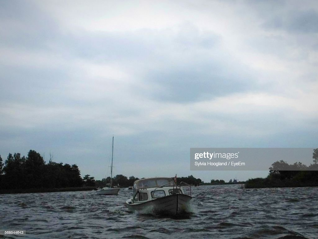 Boat On Sea Against Sky : Stock Photo